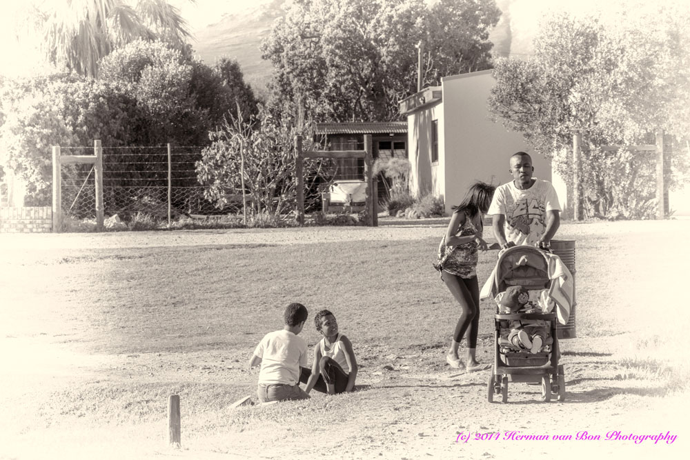 Candid-Portraits-36-family-outing