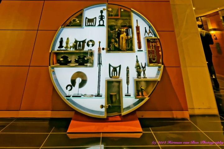 OpticalIllusion17TheWallandthe-Display