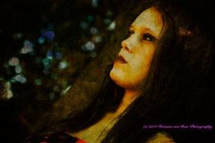 Mona Beth (en profile)