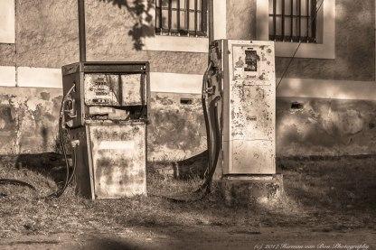 petrol station elim