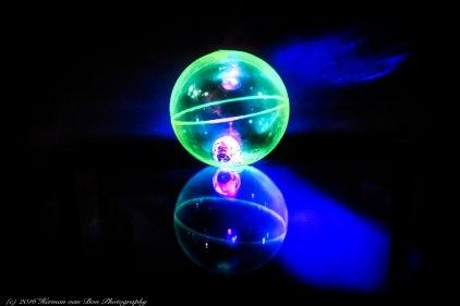 lightba;;
